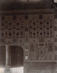 Interior of a room in the Sheesh Mahal, Amber Palace 10031585